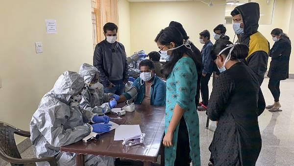ગુજરાતના 20 લાખ લોકો કંટેનમેન્ટ અને માઈક્રો કંટેનમેન્ટ ઝોનમાં