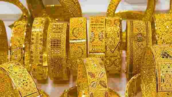 Gold Rate: 47 હજારને પાર કર્યા બાદ ધડામ થયું સોનું, કિંમતમાં કડાકો