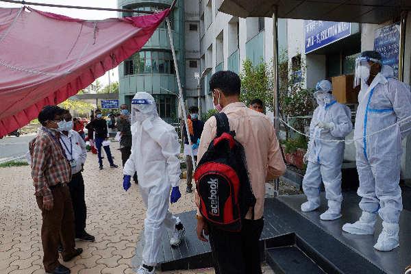 દિલ્હીના લોકો માટે જ કરવામાં આવે દિલ્હીની હોસ્પિટલોનો ઉપયોગ, વિશેષ કમીટીએસરકારને આપી સલાહ
