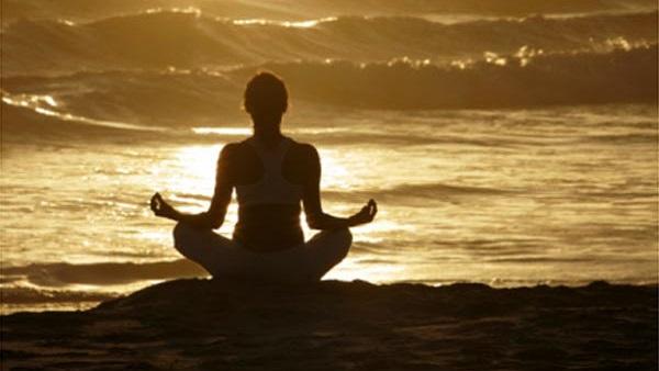 International Yoga Day 2020: સામાન્યથી લઇ ખાસ સુધી, બધાએ કર્યા યોગ, જુઓ તસવીરો
