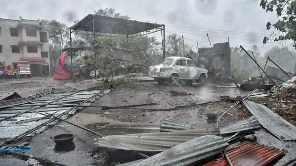 Cyclone Nisarga: અલીબાગ પહોંચ્યું નિસર્ગ, તસવીરોમાં જુઓ વાવાઝોડું