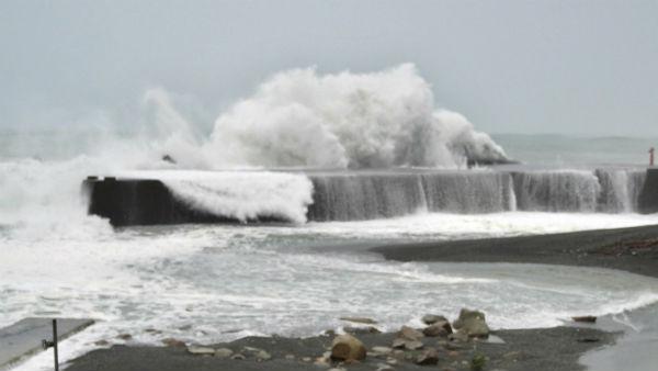 નિસર્ગ વાવાઝોડુઃ મહારાષ્ટ્ર-ગુજરાત પર ખતરો, આગામી 24 કલાકમાં સર્જાઈ શકે છે વિનાશ
