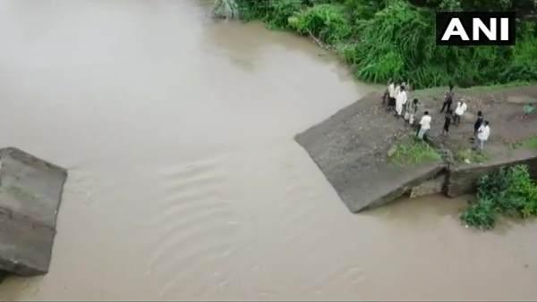 ગુજરાતના જૂનાગઢમાં ભારે વરસાદનો કહેર, ધસી પડ્યો 30 વર્ષ જૂનો પુલ