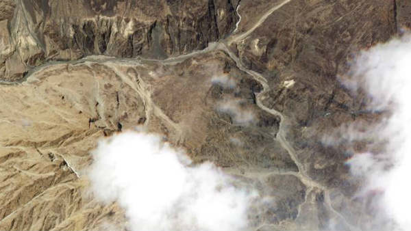 India- China: LAC પર 2 કિમી પાછળ હટી ચીની સેના