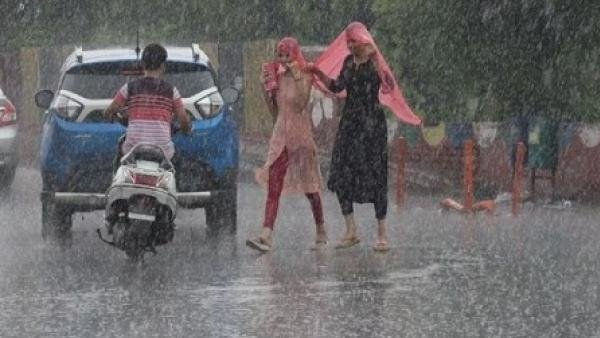 મુંબઇમાં ભારે વરસાદનું અલર્ટ, હાઈ ટાઇડની પણ આશંકા