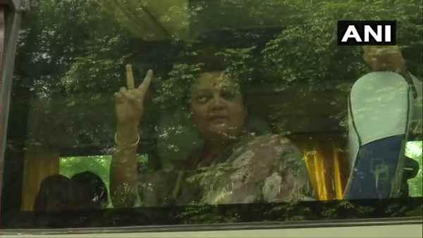 સચિન પાયલટના પ્લાન પર પાણી ફર્યું? ગેહલોતના ઘરે CLPની બેઠકમાં 107 ધારાસભ્યોની હાજરી