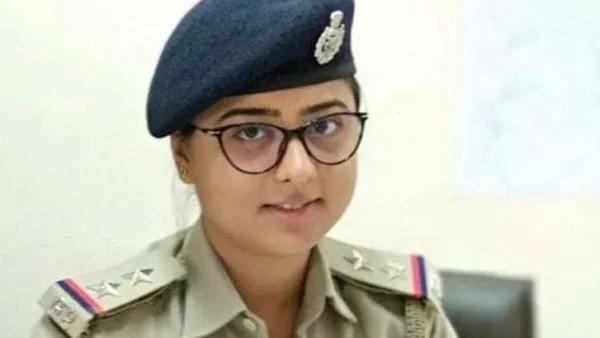 ગુજરાતઃ રેપ કેસ દબાવવા માટે મહિલા SIએ 35 લાખની લાંચ માંગી