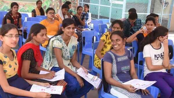 ગરીબ છોકરીઓએ 12માં ધોરણમાં કર્યુ શાનદાર પ્રદર્શન, હવે સ્નાતક માટે જશે ઑસ્ટ્રેલિયા