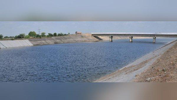 ગુજરાતની જીવાદોરી સમાન નર્મદા નહેર થઈ પાણીથી છલોછલ