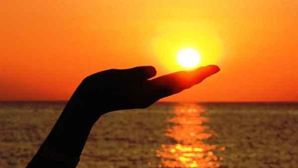 પોતાની જ રાશિ સિંહમાં આવ્યા સૂર્ય, જાણો શું થશે અસર