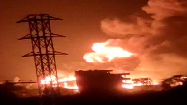 તેલંગાનાઃ કેમિકલ ફેક્ટરીમાં લાગી ભીષણ આગ, બાજુમાં છે એરફોર્સ એકેડમી
