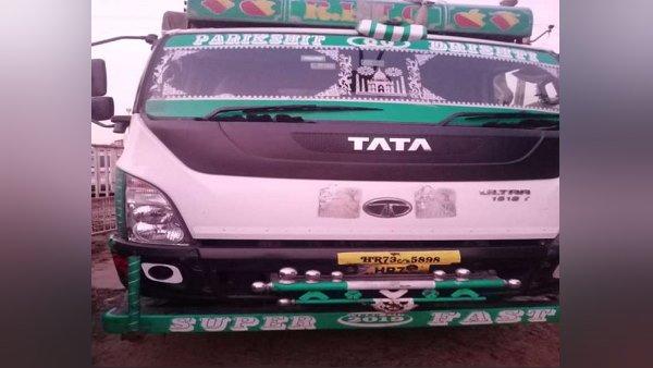 ગુજરાતની આંતરરાજ્ય સીમા પાસે દારૂની 2388 બોટલો જપ્ત, હરિયાણાથી આવી હતી ટ્રક