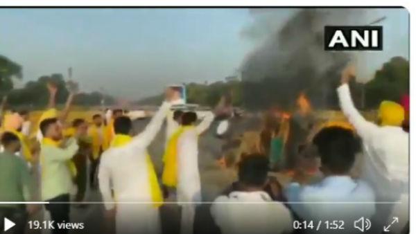 કૃષિ બિલ 2020: ઈન્ડિયા ગેટ પાસે ટ્રેક્ટરમાં આગ લગાવનાર પાંચની ધરપકડ
