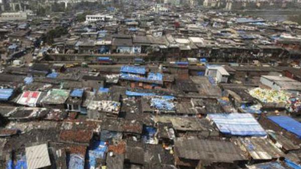 ઝુગ્ગીવાળાને કેજરીવાલે કહ્યુ - હું જીવતો છુ ત્યાં સુધી તમને કોઈ બેઘર નહિ કરી શકે