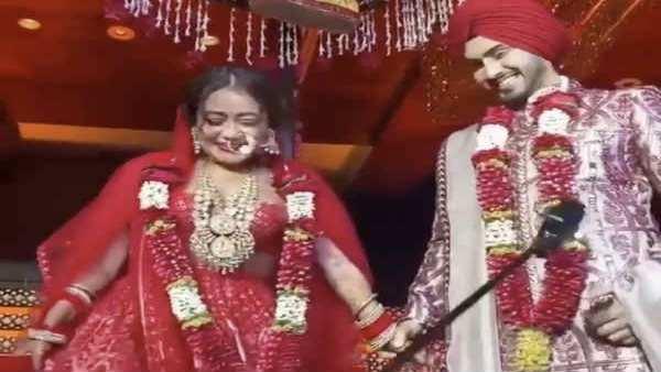 Pics: જુઓ નેહા કક્કડ અને રોહનપ્રીત સિંહના લગ્નના સુંદર ફોટા