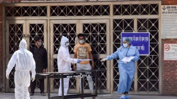 છેલ્લા 24 કલાકમાં સામે આવ્યા કોરોનાના 54044 મામલા, 717 લોકોના મોત