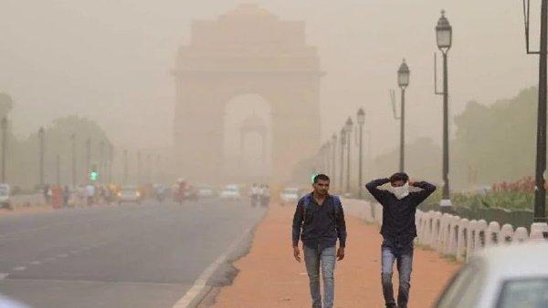 દિલ્હીમાં પ્રદૂષણ ખતરનાક સ્તરે પહોંચ્યું, AQI 387એ પહોંચ્યો