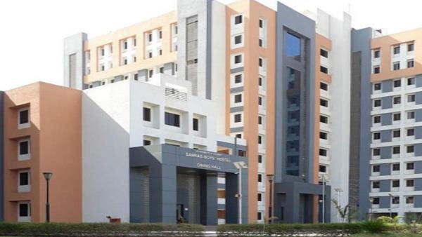 સુરતઃ કોવિડ સેન્ટરના 9માં માળેથી કૂદી કોરોના દર્દીએ આપી દીધો જીવ