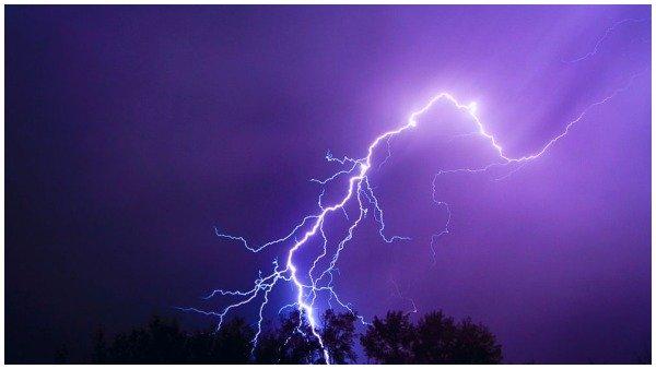 મહારાષ્ટ્રઃ થાણેમાં વીજળી પડવાથી મોટી દૂર્ઘટના, 1નુ મોત અને 26 ઘાયલ