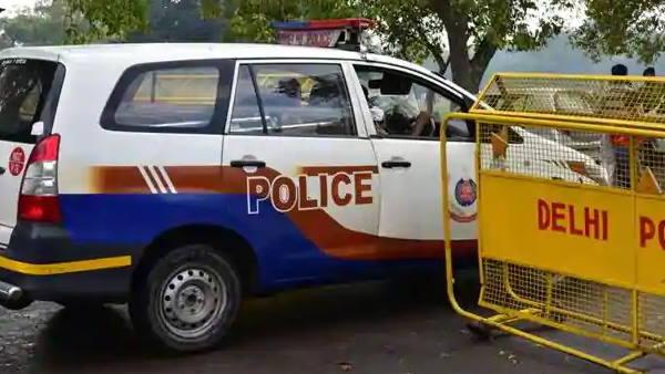 દિલ્લીઃ પોલિસની 4 ગુનેગારો સાથે અથડામણ, 70 જીવતા કારતૂસ જપ્ત
