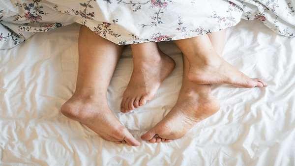 શારીરિક સંબંધની કમી છતાં લૉકડાઉનમાં પાર્ટનર્સ વચ્ચે વધી આત્મીયતા, બીજુ શું કહે છે અભ્યાસ