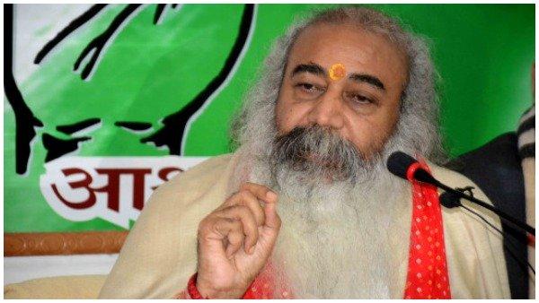 'રાહુલ ગાંધી કોંગ્રેના ભગવાન છે, જેમણે જે કરવું હોય કરી લે', ઓબામાને આચાર્ય પ્રમોદનો જવાબ