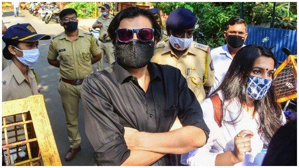 અર્નબ ગોસ્વામીને સુપ્રીમ કોર્ટની રાહત, આત્મ હત્યા માટે ઉકસાવવાની કેસમાં જામીન મળ્યા
