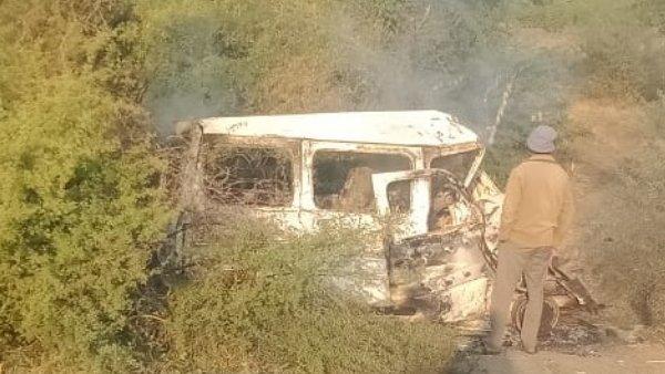 ગુજરાતઃ સુરેન્દ્રનગરમાં ટ્રક અને કાર વચ્ચે ભીષણ અકસ્માત, 7 લોકોના દર્દનાક મોત