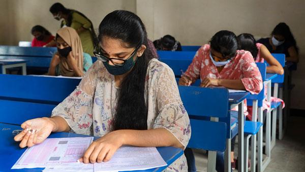 CBSE 10 & 12 Exam 2021: બોર્ડે ધોરણ 10 અને 12ની પરીક્ષા માટે મહત્વનો ફેસલો લીધો, જાણો તાજા અપડેટ
