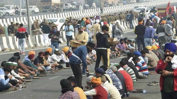 ખેડુતોના આંદોલનને કારણે દિલ્હીની અનેક સરહદો સીલ, આજે પણ આ રસ્તાઓ પર રહેશે ટ્રાફીક મુવમેંટ