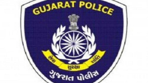 કસ્ટોડિયલ ડેથ મામલે ગુજરાતના ચાર પોલીસકર્મી સસ્પેન્ડ, 3 ફરાર