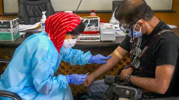 દેશમાં કોરોનાના 11610 નવા દર્દી, 90 હજાર લોકોએ મૂકાવી રસી