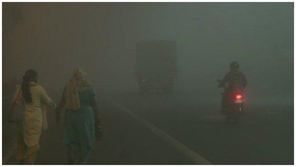 Weather: દિલ્લીમાં સવારે ધૂમ્મસ, આ રાજ્યોમાં વરસાદનુ એલર્ટ