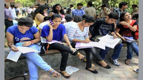 ગુજરાતમાં કોલેજના વિદ્યાર્થીઓને અપાશે ફ્રીમાં ટેબલેટ