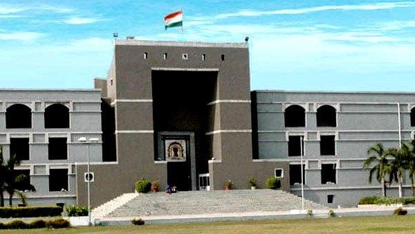 કોરોના પર સુઓમોટો જાહેરહિતની અરજી પર ગુજરાત હાઈકોર્ટે સરકારને ઝાટકી, રેમડેસિવિર વિશે કર્યા સવાલો
