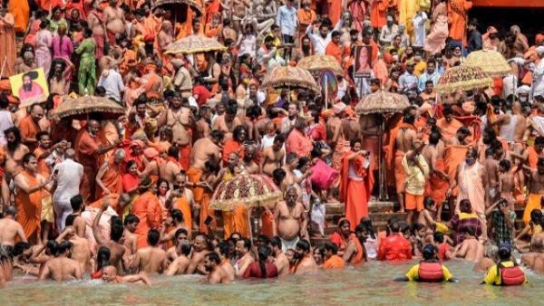 હરિદ્વાર મહાકુંભમાં કોરોના નિયમોનુ પાલન ન કર્યુ તો બગડી શકે છે સ્થિતિ, 102 લોકો સંક્રમિત