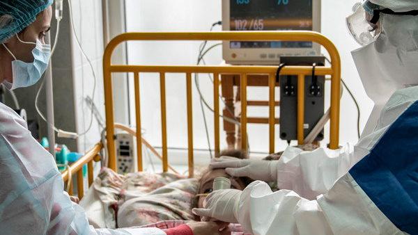 ગર્ભવતી મહિલાઓ પર કોરોનાનો કહેર, ગુજરાતની હોસ્પિટલોમાં સેંકડો ભરતી, જિંદગી બચાવવી મુશ્કેલ