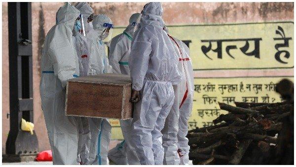 હરેક મિનિટે કોરોનાથી 2નાં મોત, પ્રતિ સેકન્ડે 4 લોકો થઈ રહ્યા છે સંક્રમિત, જુઓ ભારતમાં કોરોના કેટલો ખતરનાક