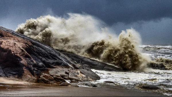Cyclone Tauktae: દીવથી વાવાઝોડું 220 કિમી દૂર, આ વિસ્તારો પ્રભાવિત થશે