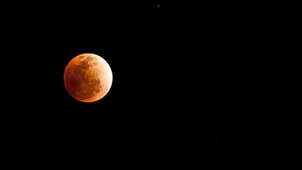 Lunar Eclipse 2021: બુદ્ધ પૂર્ણિમાના દિવસે વર્ષનું પહેલું ચંદ્ર ગ્રહણ લાગશે, સમય અને સૂતક કાળ જાણો