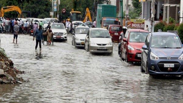 Weather Updates: ગુજરાત સહિત આ રાજ્યોમાં આજે અને કાલે ભારે વરસાદની સંભાવના, અહીં અપાયુ રેડ એલર્ટ
