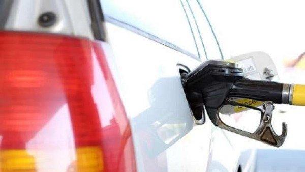 Fuel Rates: 28 દિવસમાં 7.18 રૂપિયા મોંઘુ થયુ પેટ્રોલ, જાણો આજના રેટ