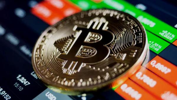 Bitcoin માં રોકાણ કર્યુ હોય તો ચેતી જજો, આ ગિરાવટ ખતરાની ઘંટી તો નથીને?