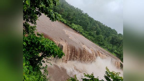 આ છે ગુજરાતનો નાયગ્રા, 250 ફુટની ઉંચાઇથી અહીં પડે છે નદીનો ધોધ