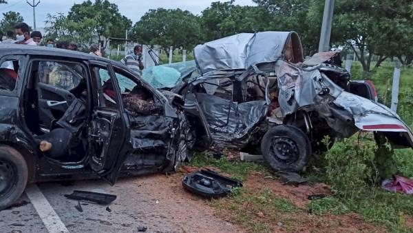 તેલંગાનાના નગરકૂરનૂલ જિલ્લામાં ભીષણ માર્ગ અકસ્માતમાં 7ના મોત, પીએમ મોદીએ વ્યક્ત કર્યુ દુઃખ