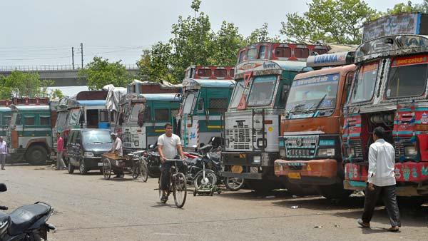 ટ્રક ડ્રાઈવર્સ માટે ડ્રાઈવિંગના કલાકો નક્કી કરવા જોઈએ : નીતિન ગડકરી