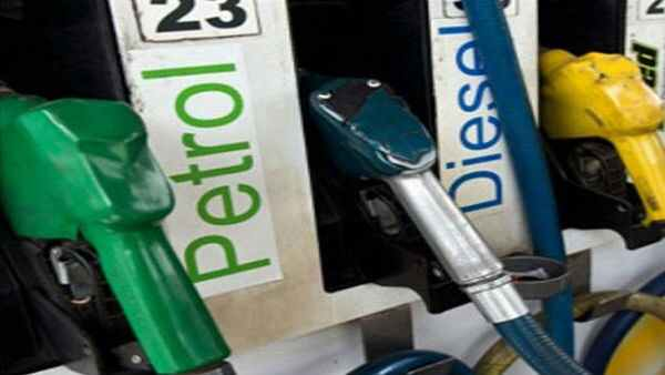 Fuel Rates: ફરીથી વધ્યા પેટ્રોલ અને ડીઝલના ભાવ, કોલકત્તામાં કિંમત પહોંચી 106ને પાર