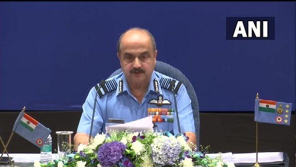 ભારત-ચીન તણાવ: IAF ચીફ વીઆર ચૌધરી પૂર્વી લદ્દાખ પ્રવાસ પર, પરિસ્થિતિની નજીકથી સમીક્ષા કરશે