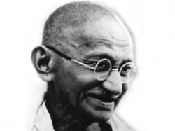 Narayan Desai Gandhi Katha