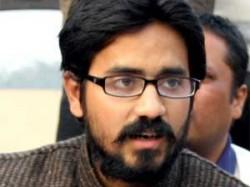 Cartoonist Aseem Trivedi Ends Eight Day Fast